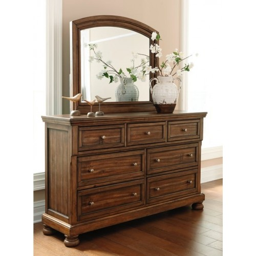 Flynnter Dresser & Mirror